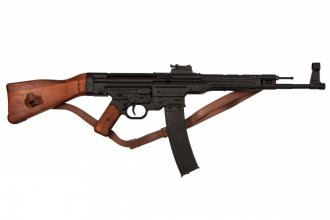 Puška Sturmgewehr 44